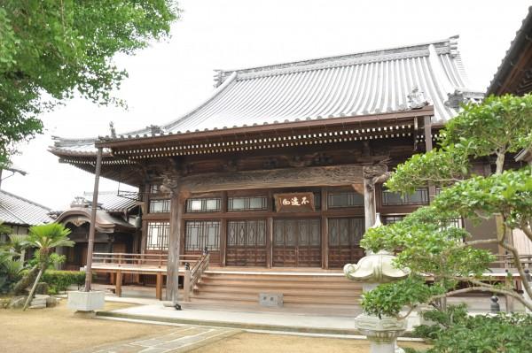西徳寺本堂 別角度