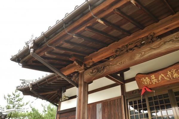 瀬居八幡宮拝殿1