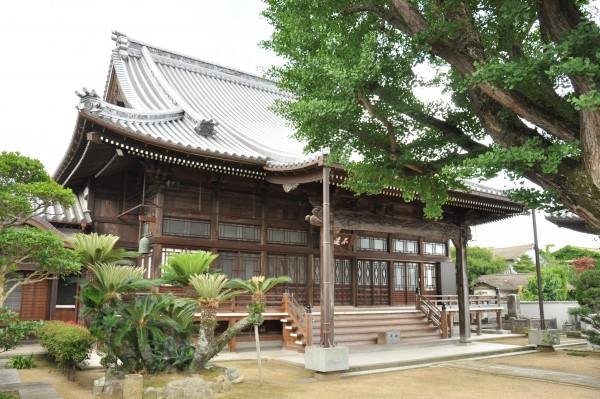 西徳寺本堂