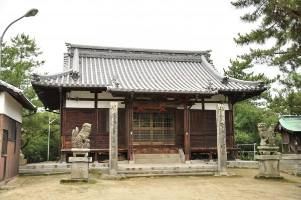 瀬居八幡宮拝殿