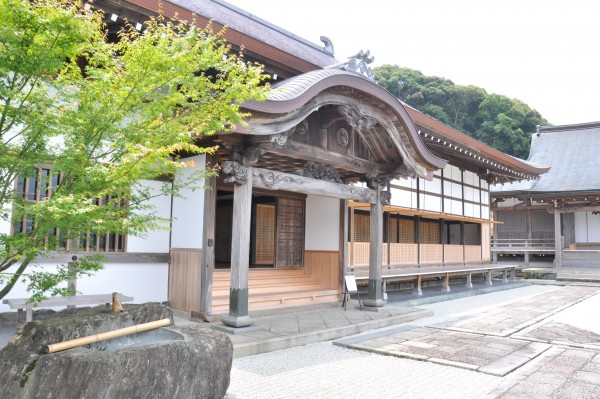3本楽寺客殿玄関